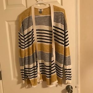 Old Navy Stripped Sweater Medium
